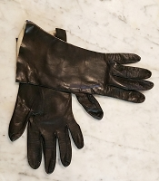 Vintage Ladies Black Kid Leather Gloves, Medium Cuff
