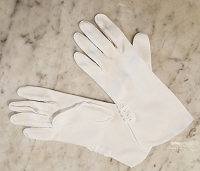 Vintage Ladies White Cotton Gloves, Medium Cuff