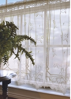 Heirloom Curtain Tier