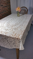 1970's Vintage Lace Tablecloth, 60x90