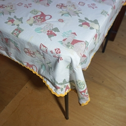 1940s Farm Scene Tablecloth 45x45
