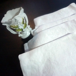 8 Silky Soft Damask Dinner Napkins