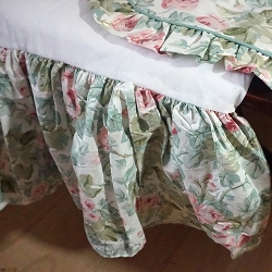 Rose Floral Pillow Shams and Dust Ruffle