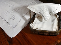 Large Vintage Linen Tablecloth with 12 Napkins