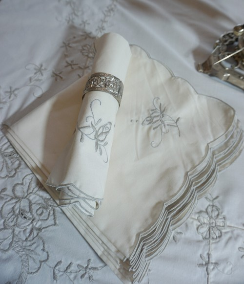 Large Embroidered Tablecloth, 12 Napkins