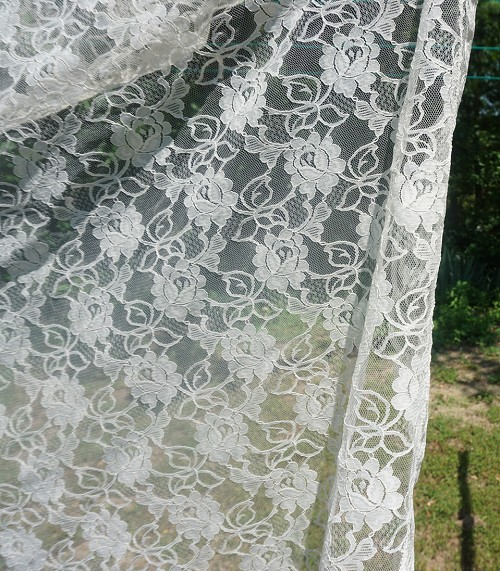 Roses Lace Tablecloth 60in Round