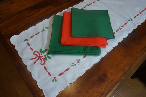 Large Christmas Table Runner Set