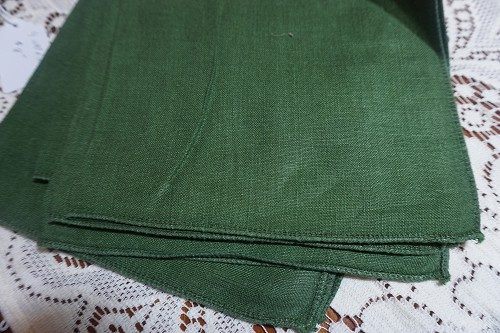 4 Vintage Hunter Green Linen Napkins