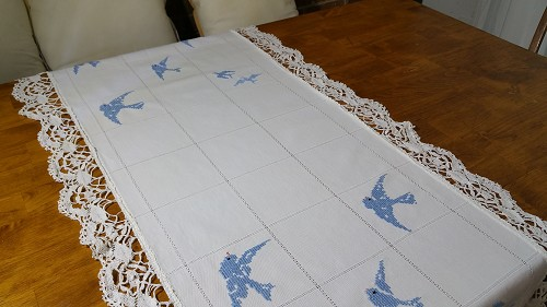 Bluebird Table Scarf