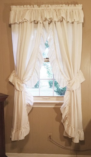 Ruffled Country Curtains in Ivory, 2 pair