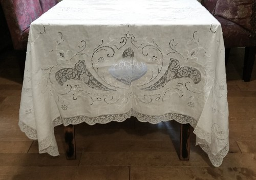 "Large Vintage White Tablecloth with Lace 96"" x 132"
