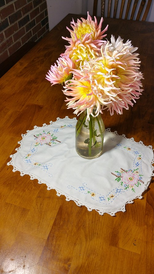 Vintage Embroidered Table Scarf 11x15